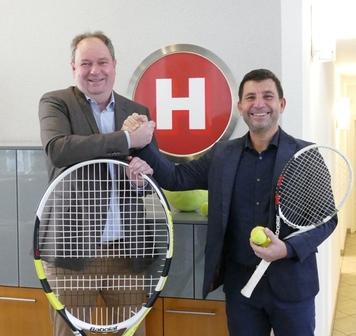 Geschäftsführer Christian Hörtkorn mit Neckarcup Turnierdirektor und Organisator Metehan Cebeci.